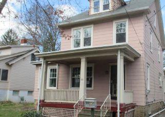 Casa en ejecución hipotecaria in Trenton, NJ, 08618,  MAPLE AVE ID: F4276920