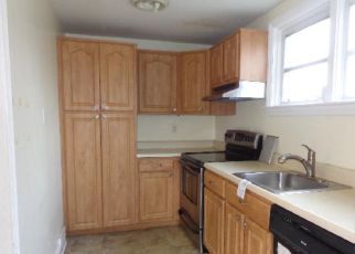 Foreclosed Home en WESTBROOK DR, Clifton Heights, PA - 19018