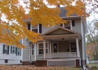 Foreclosed Home en W MACON ST, Decatur, IL - 62522
