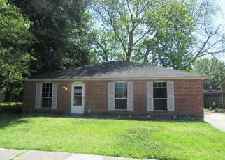 Casa en ejecución hipotecaria in Westwego, LA, 70094,  LAYMAN ST ID: F4278523