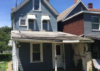 Casa en ejecución hipotecaria in New Kensington, PA, 15068,  4TH AVE ID: F4279092