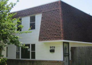 Casa en ejecución hipotecaria in Virginia Beach, VA, 23452,  S CLUB HOUSE RD ID: F4279219