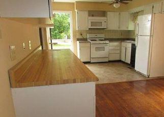 Foreclosed Home en OAKLEY RD, Avenue, MD - 20609