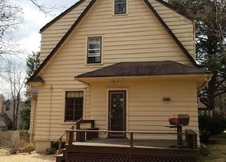 Foreclosed Home in EVERGREEN PL, Maplewood, NJ - 07040