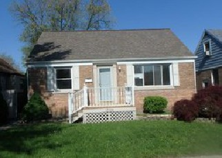 Foreclosed Home en COMMERCIAL AVE, Lansing, IL - 60438