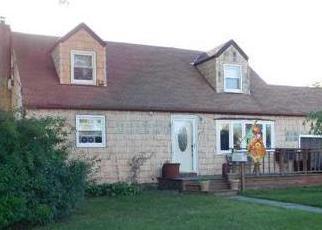 Casa en ejecución hipotecaria in Bay Shore, NY, 11706,  CARLL DR ID: F4282003