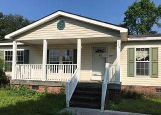 Casa en ejecución hipotecaria in Richlands, NC, 28574,  FUTRELL RD ID: F4283187