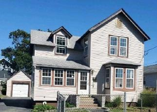 Foreclosed Home in BELFORD AVE, Bay Shore, NY - 11706