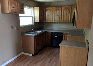 Foreclosed Home en JEFFERSON AVE, Alton, IL - 62002