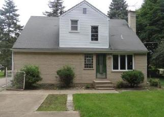 Foreclosed Home en VALLEY VIEW DR, Schaumburg, IL - 60193