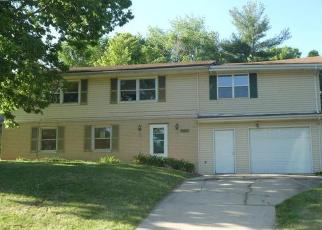 Foreclosed Home in IRVING DR, Decatur, IL - 62521