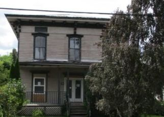 Foreclosed Home en HOLMES ST, Richmondville, NY - 12149