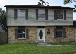 Foreclosed Home in HOLY CROSS PL, Kenner, LA - 70065