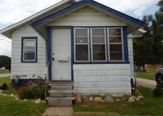 Foreclosed Home in HOWREY AVE, Waterloo, IA - 50701