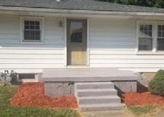 Foreclosed Home in ELMWOOD DR, Henderson, KY - 42420