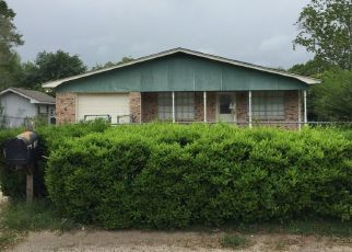 Foreclosed Home in RALPH DR, Gulfport, MS - 39503