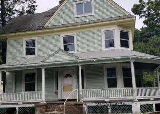 Foreclosed Home en KINDERHOOK ST, Chatham, NY - 12037