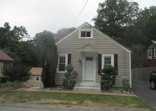 Foreclosed Home in MOUNTAINDALE RD, Smithfield, RI - 02917