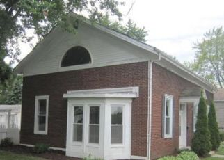 Foreclosed Home en 11TH AVE, Union Grove, WI - 53182