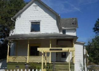 Foreclosed Home in CLINTON ST, Harriman, TN - 37748