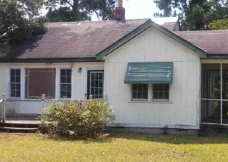Foreclosed Home en S MORGAN AVE, Andrews, SC - 29510