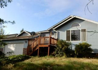 Foreclosed Home in E MAIN ST, Cottage Grove, OR - 97424