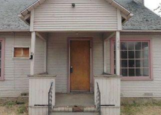 Foreclosed Home in DAKOTA AVE, Medford, OR - 97501