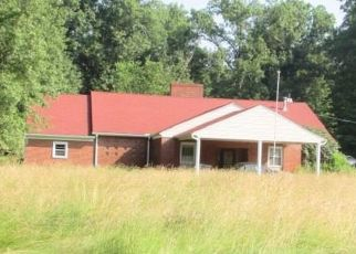 Foreclosed Home en VILLA MARIE RD, Lowellville, OH - 44436