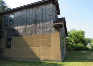Casa en ejecución hipotecaria in Brentwood, NY, 11717,  LUKENS AVE ID: F4288424