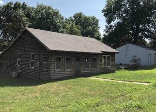 Foreclosed Home en E 2ND ST, Urich, MO - 64788