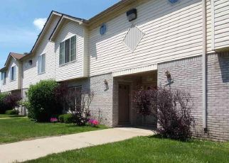 Foreclosed Home en SPAGNUOLO LN, Roseville, MI - 48066