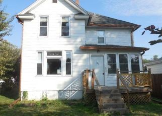 Foreclosed Home in S ELSIE AVE, Davenport, IA - 52802