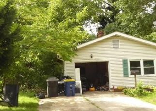 Foreclosed Home in FIDDLERS GRN, Dover, DE - 19904