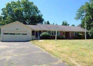 Foreclosed Home en N MAIN ST, East Granby, CT - 06026