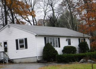 Foreclosed Home en JULIA DR, Burlington, CT - 06013