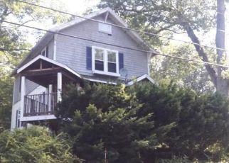 Casa en ejecución hipotecaria in Waterbury, CT, 06708,  PARK RD ID: F4289393