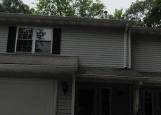 Casa en ejecución hipotecaria in Waterbury, CT, 06705,  E MAIN ST ID: F4289396