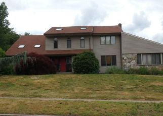 Foreclosed Home in BOBBY LN, Manchester, CT - 06040