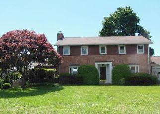 Foreclosed Home en OLD BATTERY RD, Bridgeport, CT - 06605