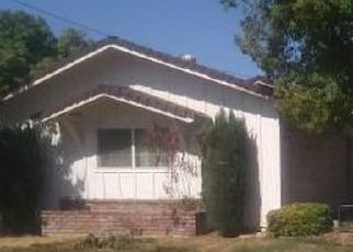 Foreclosed Home en EMERALD ST, Bakersfield, CA - 93304