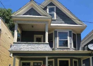 Foreclosed Home en MYRTLE AVE, Albany, NY - 12208