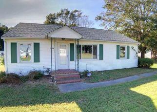 Foreclosed Home en WILLIS WHARF RD, Exmore, VA - 23350
