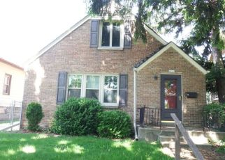 Foreclosed Home en S 58TH ST, Milwaukee, WI - 53219