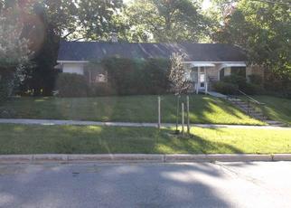 Foreclosed Home en SYLVAN WAY, West Bend, WI - 53095