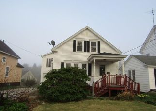 Foreclosed Home in TURNER ST, Auburn, ME - 04210
