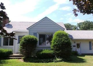 Foreclosed Home in WOODSIDE DR, Schenectady, NY - 12302