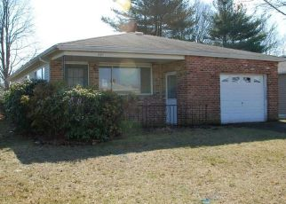 Foreclosed Home in JAMAICA BLVD, Toms River, NJ - 08757