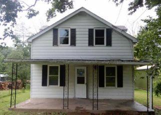 Foreclosed Home en PARK RD, Ambler, PA - 19002