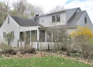 Foreclosed Home en COREY AVE, Endicott, NY - 13760