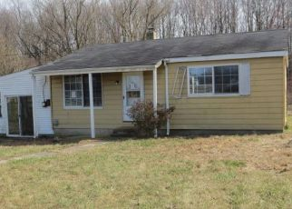 Foreclosed Home en CHURCH HILL RD, Centreville, MD - 21617
